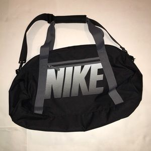Black Nike medium Duffle Bag